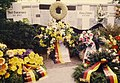 Wreaths at the Berlin Wall for the 25th anniversary, August 1986.jpg