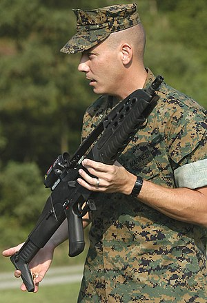Heckler & Koch XM8 - A U.S. Marine Corps weapons instructor presents an XM8 Carbine during the Infantry Operations Chief Symposium in August 2005.
