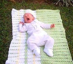 Позіхаючий малюк