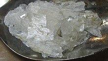 Arkusze octanu cynku utworzone przez powolne odparowanie