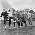Zwemkampioenschappen te Emmen, opdracht Telegraaf, v.l.n.r. Jordan, B. Heuvels, , Bestanddeelnr 918-0524.jpg