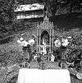 """""""Kapelca"""" za procesijo Sv. Rešnjega telesa. Otalež 1954.jpg"""