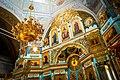 Вівтар церкви.jpg
