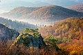 Поляницький регіональний парк. Скелі Довбуша. Вид з головної скелі.jpg