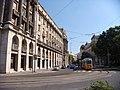 Трамвай на площади Парламента - panoramio.jpg