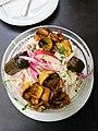 Шопска салата со тиквички и сармички со лозов лист.jpg