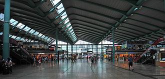 Hung Hom Station - Image: 13 08 07 hongkong by Ralf R 08