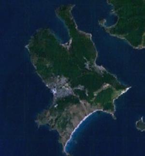 Popov Island - Image: 131.72942E 42.96528N Isle of Popov