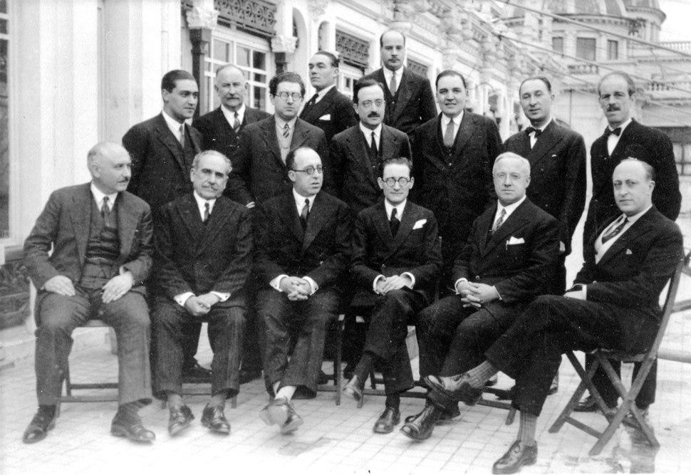 Fotografía de grupo, de 1928.
