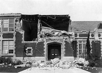 1933 Long Beach earthquake - Damage to the John Muir School, Pacific Avenue, Long Beach