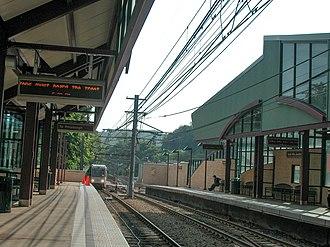 South Hills Junction station - Image: 20050606 16 South Hills Jct (10908705956)