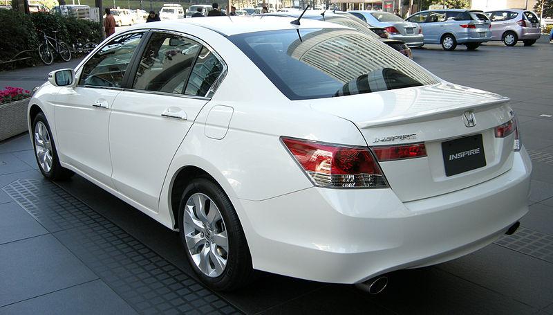800px 2008 Honda Inspire 02