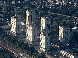De zes torens van de Bijlmerbajes