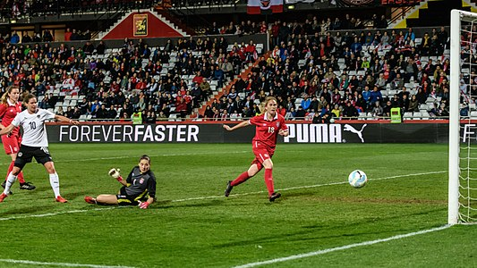 20180405 FIFA Women's World Cup Qualification AUT-SRB Burger Kostic Lazarevic 850 6828.jpg