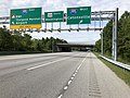 2019-09-09 09 40 58 View south along Maryland State Route 295 (Baltimore-Washington Parkway) at the exits for Interstate 195 (BWI Thurgood Marshall Airport, Catonsville) in Linthicum, Anne Arundel County, Maryland.jpg