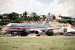 227af - American Airlines Boeing 757-223, N668AA@SXM,21.04.2003 - Flickr - Aero Icarus.jpg