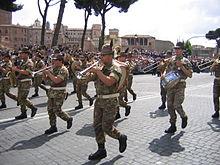 Fanfara della Brigata alpina Taurinense durante le celebrazioni del 2  giugno 2007. 1ade67f5cf31