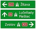 421-52 Jednoduchý smerník k diaľnici (nepriamy - smer na cestu, ktorá vedie k diaľnici).jpg