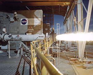 Hybrid-propellant rocket - Image: 94 707 6 hybrid rocket test