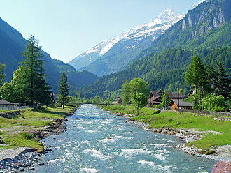 Innertkirchen - The Aare river and narrow valley at Innertkirchen