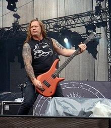 Adam Duce con la band al Sonisphere Festival.