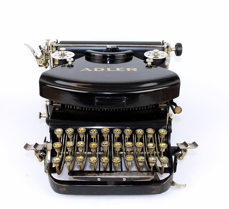 Adler typewriter with double, Cyrillic-Latinic keyboard 02