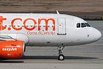 Airbus A319-111 Easyjet G-EZAW (8738049635).jpg