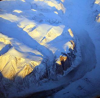 Akshayuk Pass - Akshayuk Pass from the air, November 2014
