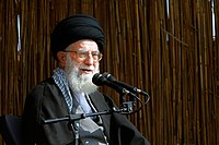 Ali Khamenei in Rahian-e Noor037.jpg