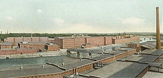 Amoskeag Manufacturing Company - Amoskeag Manufacturing Company, looking downriver (south) in 1911