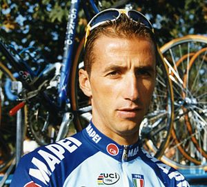 Andrea Tafi (cyclist) - Tafi at the 1998 Paris–Tours