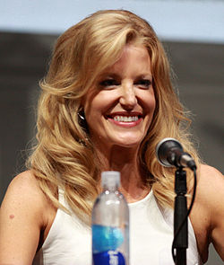 Anna Gunn på San Diego Comic-Con International 2013.