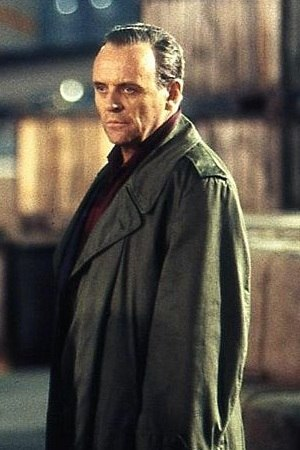 Squeeze (The X-Files) - Guest star Doug Hutchison based his critically acclaimed portrayal of Tooms on Anthony Hopkins (pictured) in The Silence of the Lambs.