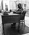 Aquilino Ribeiro statue (10214231543).jpg
