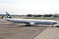 B-HNI B777-367 Cathay Pacific Aws SIN 03APR06 (6776519465).jpg