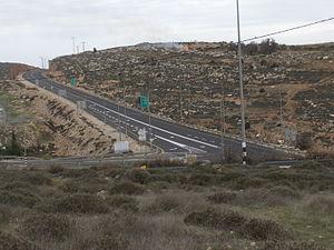 Highway 60 (Israel) - View northward at Asaf Junction (Route 466)