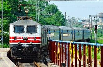 Habibganj - New Delhi Shatabdi Express - Habibganj - New Delhi Shatabdi Express arriving Habibganj with GZB WAP-5