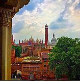 Badshahi Mosque from Lahore Fort.jpg