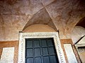 Basilica di Santa Maria in Cosmedin - panoramio (9).jpg