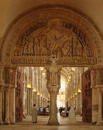 French Romanesque architecture - Image: Basilique de Vézelay Narthex Tympan central 220608