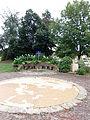 Bassens chateau beaumont jardin -2015a.jpg