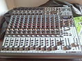 Behringer XENYX 2222FX (22in 2-2bus, 24bit FX, USB Audio IF).jpg