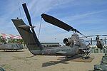 """Bell AH-1F Cobra '0-6916416' """"Sweet Sixteen"""" (26410445834).jpg"""