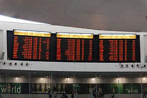 Ben Gurion International Airport-08-by-RaBoe-02.jpg