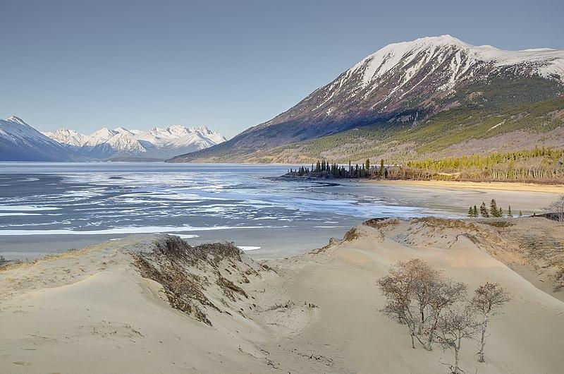 File:Bennett Lake.jpg