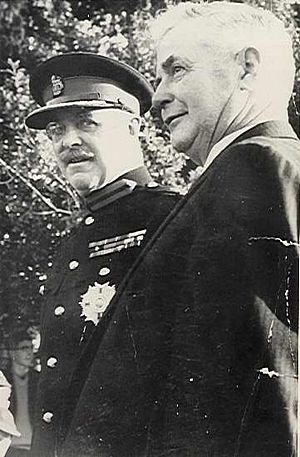 Bernard Fergusson, Baron Ballantrae - Fergusson as Governor-General (left) with the Mayor of Shannon, Mr P. K. Robinson.