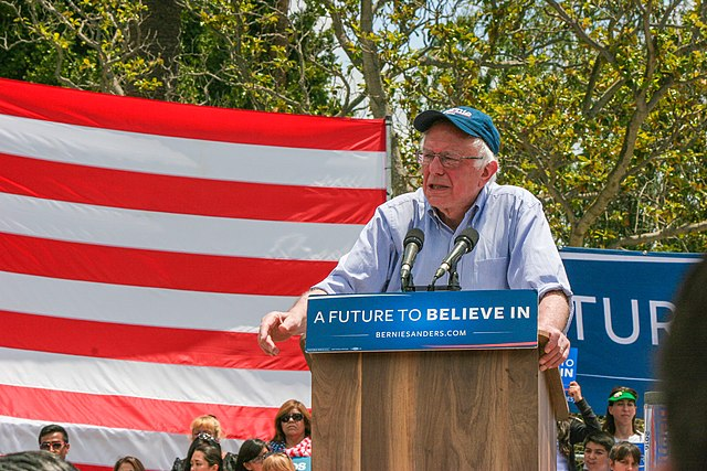 Bernie Sanders in East Los Angeles (27177778006)