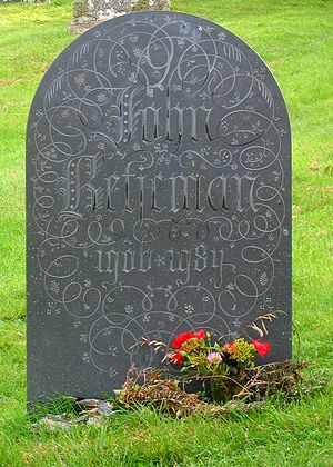 1984 in poetry - Headstone of John Betjeman