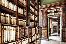 220px Biblioteca Gambalunga %28Rimini%29 4