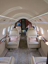 Bombardier Challenger 300 - Wikipedia